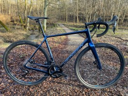 JENSEN GRAVEL SL CARBON BLÅ GRX 1x11 SPEED